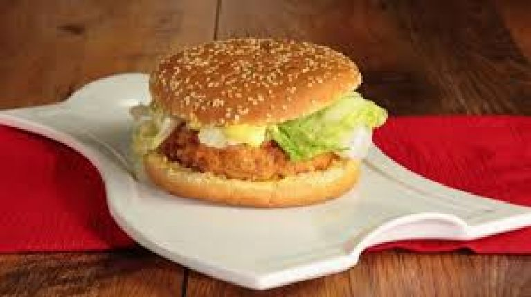 <p>HAMBURGER DI POLLO</p>